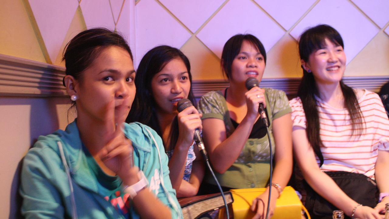 フィリピン人はカラオケが大好き