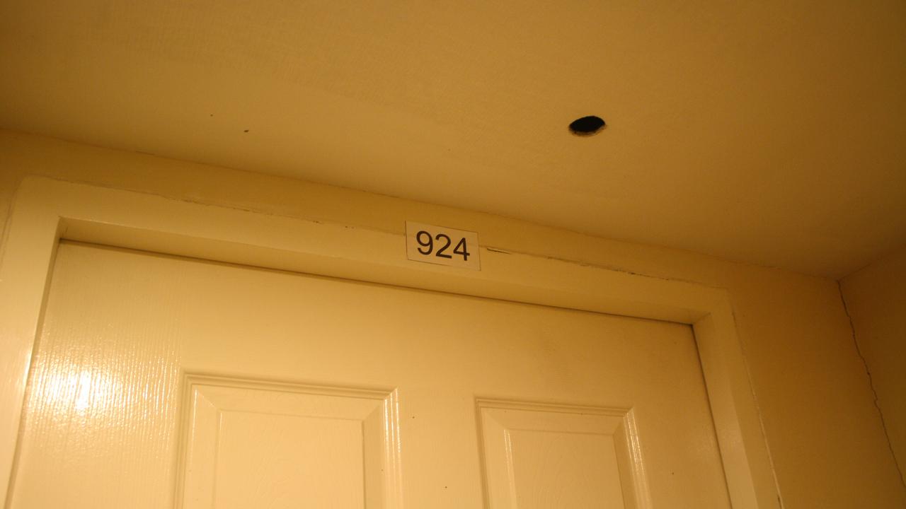 韓国人の女の子の弟の部屋