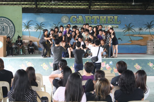 CNE1の卒業式恒例の記念撮影
